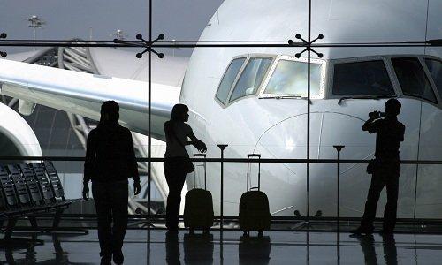 самолет и аэропорт