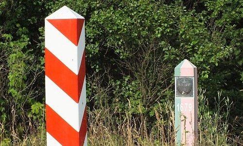 пограничные столбы польско белорусской границе