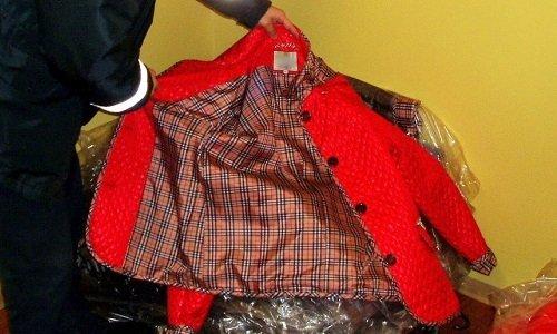 Поддельная куртка изъятая на рынке Белосток
