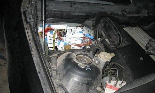 Контрабанда в полостях двигателя