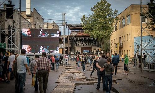 Бывшая фабрика в Вильнюсе теперь концертная площадка