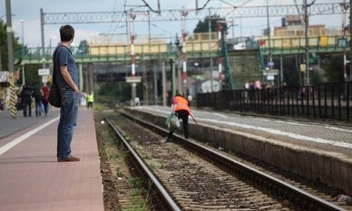вокзал без поездов