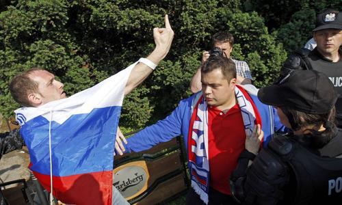 Беспорядки в Варшаве во время чемпионата европы по футболу