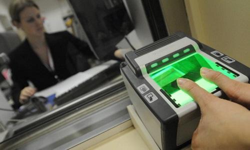Сканер пальцев в посольстве