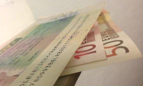 60 Евро и шенген виза в паспорте