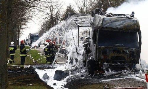Белорусская фура сгорела на дороге Кузница - Сокулка