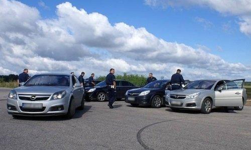 Полицейские Opel Вектра