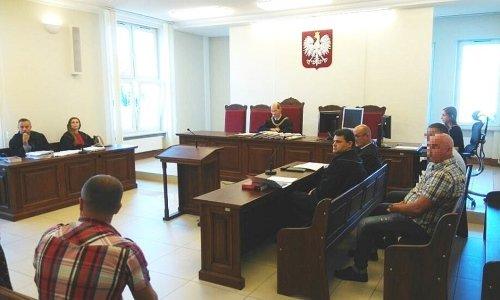 Cуда по обвинению двух поляков в обмане на миллиарды рублей при обмене валют