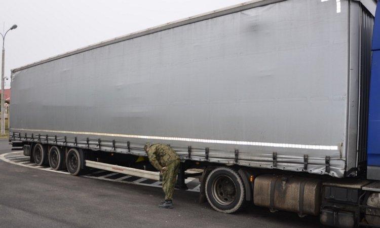 Прицеп грузовой задержан на польско-белоурсской границе