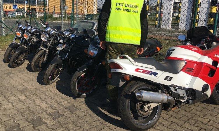 6 мотоциклов с перебитыми номерами изъяли на границе