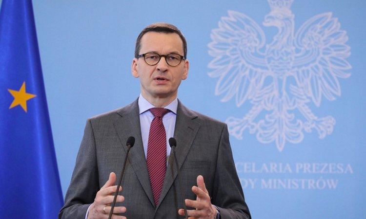 Правительство Польши закрыло границу