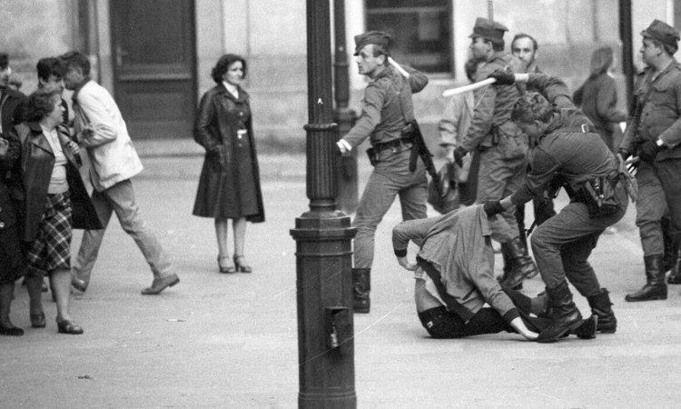 Избиения в Польше в военное положение