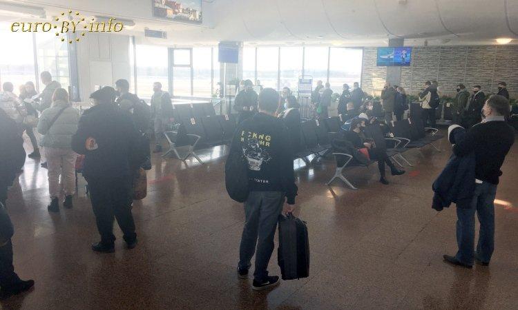 Ожидание рейса в аэропорту Минска