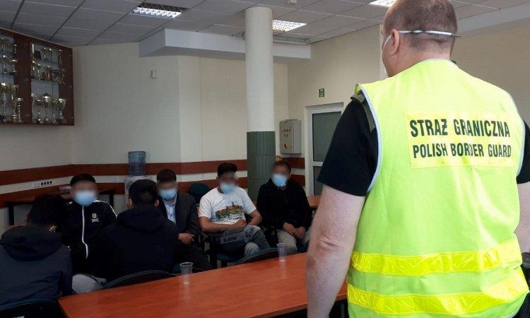 афганцы пришли в Польшу из Беларуси