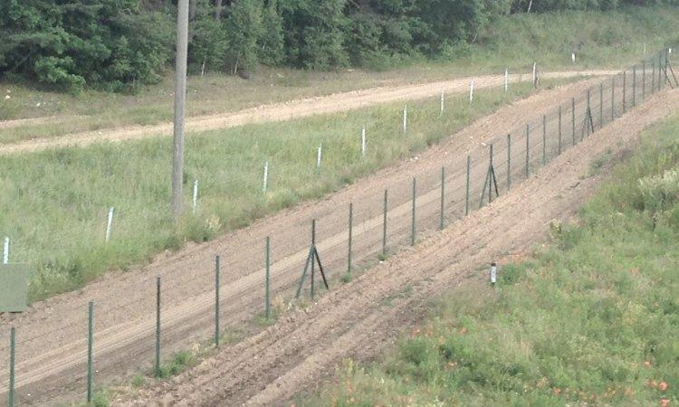 Стена на границе Литвы