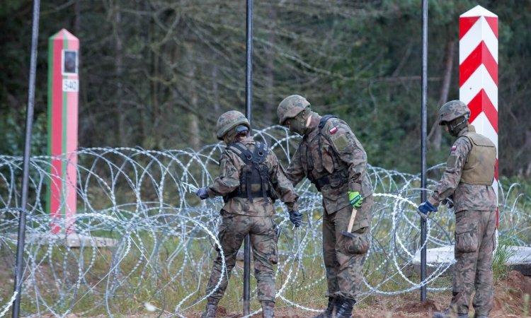 Польша строит забор на границе Беларуси