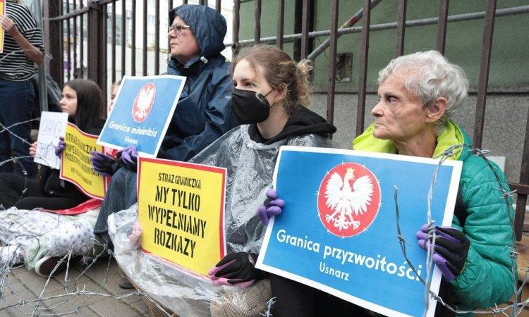 Пикитирование в защиту мигрнатов в Варшаве